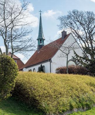 Bild: Die Schifferkirche von 1952 in Maasholm an der Schlei