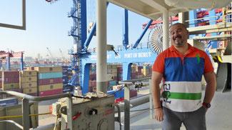 Bild: Darius, der rumänische First Mate (1. Offizier) auf dem Containerschiff