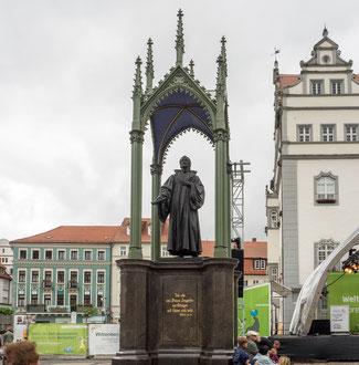 Bild: Melanchtondenkmal in Wittenberg