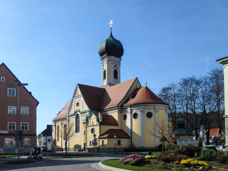Bild: Pfarrkirche St. Nikolaus am Marienplatz 1 in Immenstadt