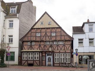 Bild: Das älteste Bürgerhaus der Stadt Zum Landsknecht wurde 1951 von Grund auf renoviert.