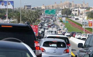 Bild: Stau auf der Autobahn in Dubai