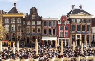 """Bild: Beliebtester Platz bei den Studenten von Groningen der """"Grote Markt"""""""