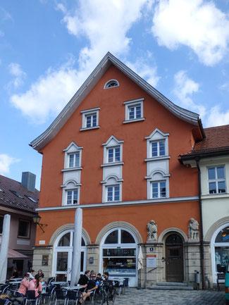 Bild: Altes Waaghaus am Marienplatz 3 in der Altstadt von Immenstadt