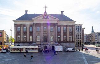 Bild: Das Rathaus von Groningen