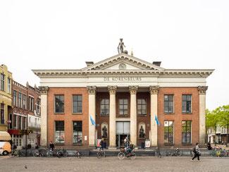 Bild: Die Kornbörse in Groningen