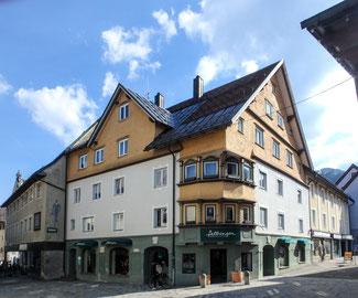 """Der Gasthof """"Zum Weißen Kreuz"""" in der Bahnhofstraße von Immenstadt"""