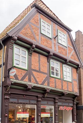Bild: Das Haus in Rendsburg mit einem bedeutenden Giebelspruch