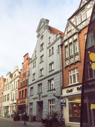 """Bild: Das Gebäude """"Zum Weinberg"""" in Wismar"""