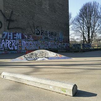 Neukölln: Lohmühlenbrücke at the Maybachufer