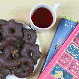 Lebkuchen, Tee, Bücher, lucamaisone