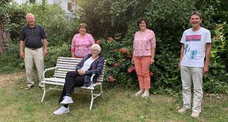 "LHLO-Vorstand: Wilhelm Wegner, Fanni Mülot, Katharina Mai-Kümmel, Dorothee Walter, Stephan Kahlhöfer (vlnr mit ""Abstand"")"