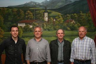 Von links: Max Bernöcker (Kassier), Sepp Bernöcker (1. Vorsitzender), Tobias Selbherr (Schriftführer), Helmut Mairinger (2. Vorsitzender)