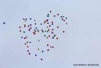 Ballonflug in Bremen mit Heliumballons