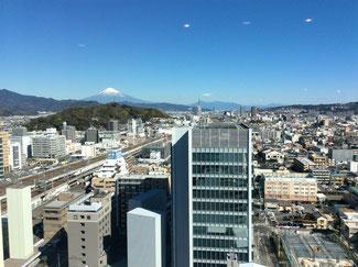 セミナー会場はホテルセンチュリー静岡。18階からの眺めは最高^^