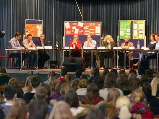 Podiumsdiskusion mit den Landtagskandidaten in der Calvarienberg-Aula. Foto: Martin Gausmann
