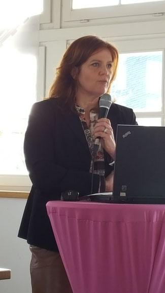 Sandra Weeser, MdB bei ihrer Rede