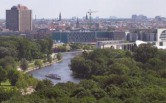 Berlin City Cruise – an vier Tagen die pulsierende Großstadt erleben mit der Yacht MS Gretha van Holland ©Rückenwind Reisen