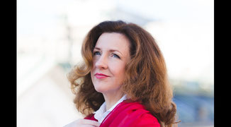 Helga Bauer Sängerin für Hochzeit Taufe Beerdigung