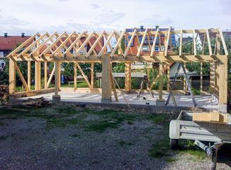 Holzbalkenkonstruktion für Garage