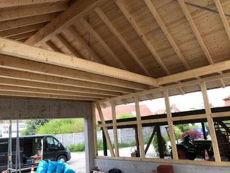 Garage in Balingen. Traditionnelle langlebige Fachwerkkonstruktion.