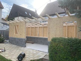 In Balingen Endingen haben wir die Holzkonstruktion für einen Schuppen im Garten erstellt. Für Selberbauer fertigen wir diese auch als Bausatz, siehe Rubrik diy.