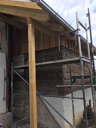Überdachung in Binsdorf - Verkleidung mit Bodendeckelschalung.