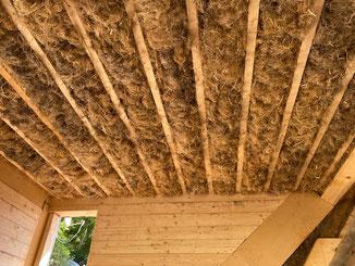 Decke der Dachgaube gedämmt mit Hanf-Stopfwolle