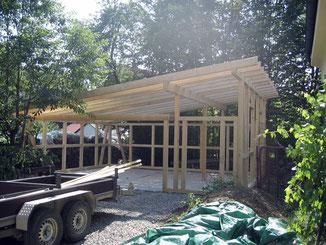Holzkonstruktion für Garage