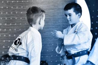 Werteorientierter Kampfkunst-Unterricht für Schulkinder