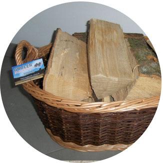 Gustchein über Brennholz