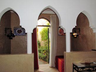 séparation entre les deux pièces, en arcades, suite safran, le jardin des épices à taroudant, maroc