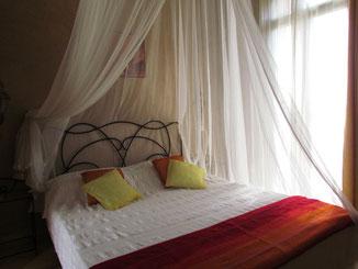 ciel de lit chambre d'hotes cannelle, riad, maison d'hotes le Jardin des Epices Taroudant Maroc