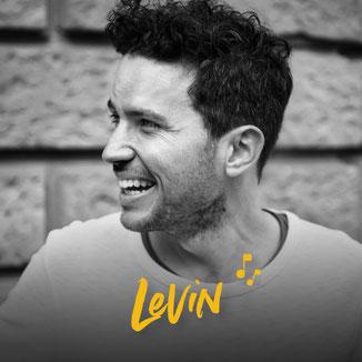 Levin ist ein bekannter Musiker und lebt in Zürich. Er spiel solo oder in einer Band. Er spielte am Blue Turtle Open Air am Thunersee. Auch war er am Jazz Festival in Rapperswil-Jona.