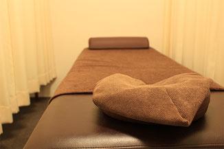 あご・小顔調整を受けて頂く際のベッド