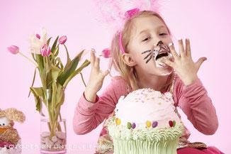 Cake Smash, Kinder, Kuchen zermantschen
