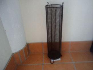 玄関の傘立ての下に波動プレートを置いてイヤシロチ化