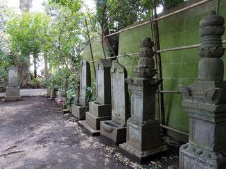 ⑤旗本宅間家の歴代墓所(三仏寺)