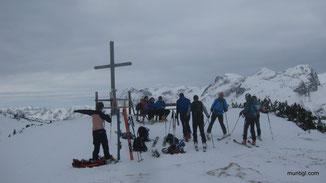 ein paar wenige waren vor uns am Gipfel