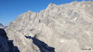 Watzmann Ostwand mit Watzmankar im Vordergrund
