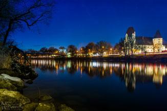 Blick auf das Neue Schloß Ingolstadt vom Donauufer
