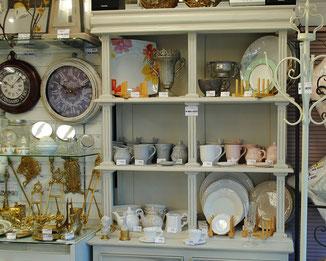 食器 食器棚 時計 壁掛け時計 コートハンガー 輸入食器 真鍮雑貨