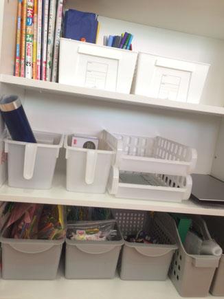 みやこ内科クリニックの受付内にある棚。こんまりをまねて整理整頓した後
