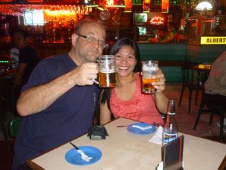 Abends gönnten wir uns ein kühlen Bier  bei Livemusic in Albertos Music Lounge