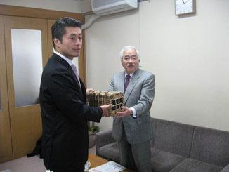 岸井成格理事長と共に細野豪志副幹事長を訪ねました。