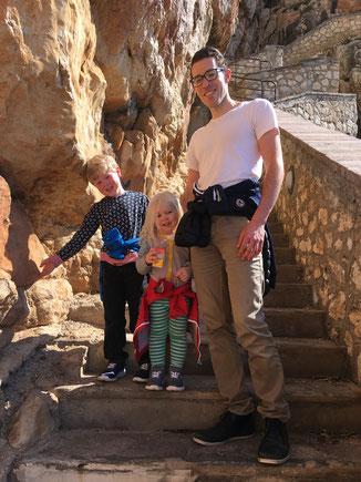 654 Stufen zur Grotte
