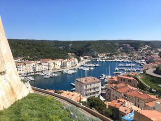 Blick in den Hafen von Bonifacio