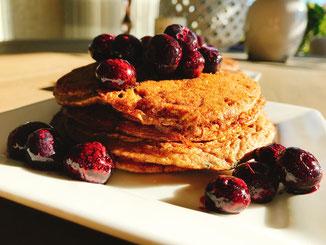 bakbanaan; ei; kaneel; blueberries; honing