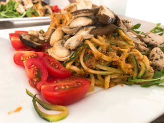 courgetti; rucola; pesto; glutenvrij; gezond; champignon; shiitake