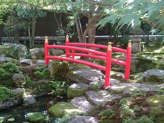 日本庭園太鼓橋